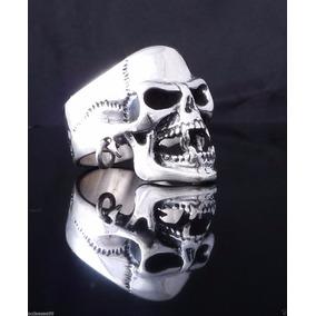 Anillo Cráneo Perforada De Plata Tamaño 23