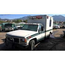 Ambulancia Chevrolet C-20 2000 8-cilindros