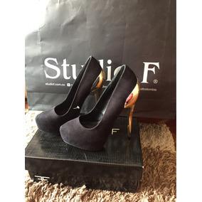 Zapatos Negros De Tacón Dorado Studio F