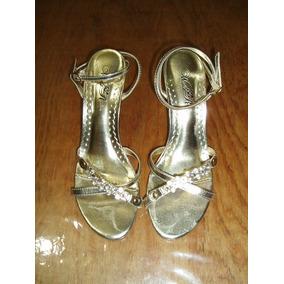 Elegantes Sandalias - Zapatillas Marca Wild Rose Número 23.5
