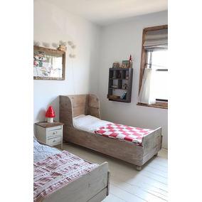 camas de transicion con barandas infantiles madera natural