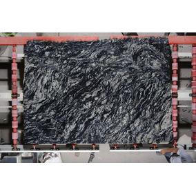 Granito Natural Negro Boreal En Chapas Altas De 2 Cm