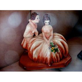 Figurita De Pareja Antigua En Ceramica