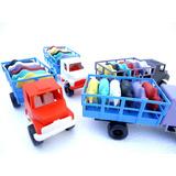 Caminhão Com 6 Bois Brinquedo Plástico Varias Cores