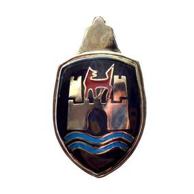 Blason Emblema Cofre De Vw Sedan Vocho Negro Y Rojo 2