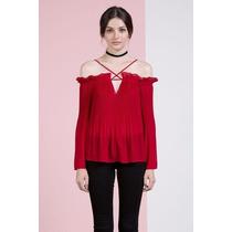Blusa Roja Plisada A Los Hombros De Chifón