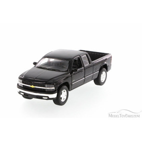 Maisto 1:24 - 1998 Chevrolet Silverado Pickup Truck Negra
