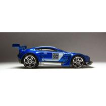 Hot Wheels Aston Martin Vantage Gt3 1:64 Colección Impecable