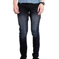 Pantalón Negro Prelavado Corrugado Marca Concrete