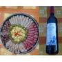 Tabla De Fiambre Con Botella De Vino De Regalo