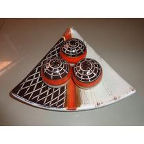 Prato Decorativo Cerâmica Com 3 Bolas Linda Peça Decoração