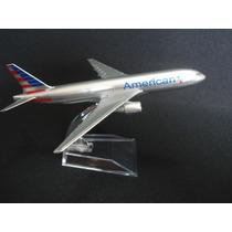 Avião American Airlines Jato Miniatura