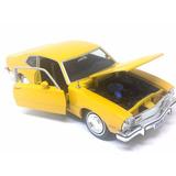Carrinho Ford Maverick 1974 Amarelo 1:24 - Ferro