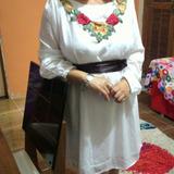 Vestido Chifon Branco Bordado Com Faixa Marrom Cetim Promo