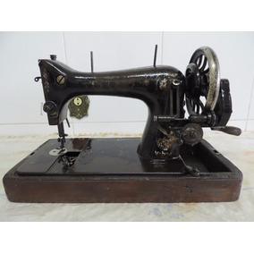 Máquina De Costura Antiga, Titan