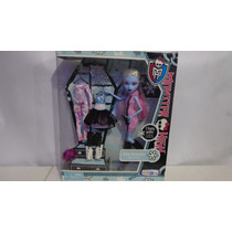 Monster High Abbey Bominable 3 Cambios.