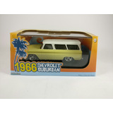 Chevrolet Suburban 1/43 Greenlight
