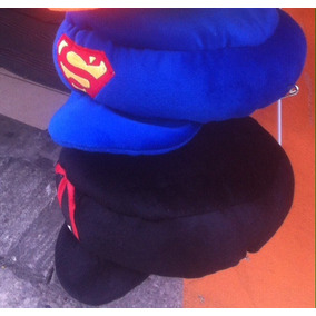 Gorra Superman Vs Batman Peluche