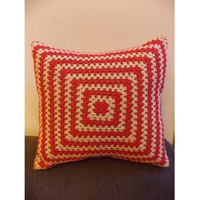 Funda Para Almohadon De Arpillera Con Aplique Al Crochet