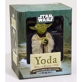 Estatueta + Livreto Yoda: Bring You Wisdom, I Will.