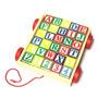 Carro De Arrastre Con Cubos De Números Y Letras De Madera