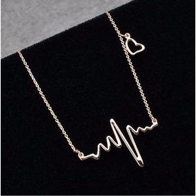 Collar Con Dije En Forma De Onda De Electrocardiograma
