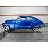 Chevrolet Aerosedan Fleetline 1948 Escala 1/24 Motormax