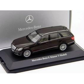 Mercedes Benz E Klasse T Modell 2001 Schuco Escala 1/43