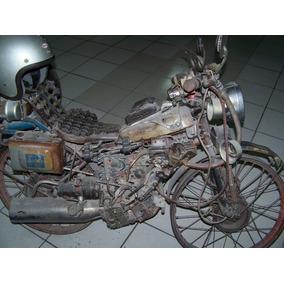 Motocicleta De Fierros Viejos Decorativa