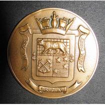Medalla Medallon Antiguo Con Escudo Firmado Diametro 73 Mms.