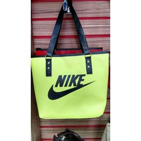 Bolsa Nike Heritage Preta - Bolsa Nike Femininas Amarelo no Mercado ... 6f783213551da