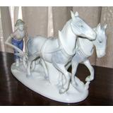 Excelente Figura Porcelana Bavaria Hombre Arado Y Caballos