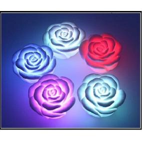 Vela Led Flotante Forma De Rosa Rgb Con Pilas Incluidas