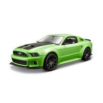 Carrinho Ford Mustang Street Racer 2014 1:24 19cm Miniatura