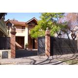 Espectacular Casa De 4 Dorm. En Gonnet, La Plata - 501 Y 25