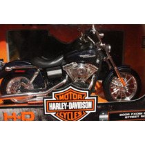 Moto Harley Davidson 2006 Dyna Street Escala 1:12