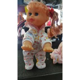 Frete Grátis! Promoção Boneca Que Engatinha, Dança E Fala.