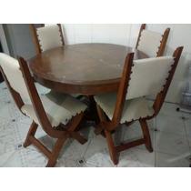 Mesa Redonda De Madeira Antiga Com Quatro Cadeiras