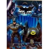Boneco Batman 27cm + Máscara Liga Da Justiça The Dark Knight