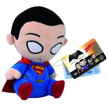 Mini Pelúcia Batman Vs Superman Mopeez Funko Superman 12cms