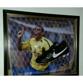 Botín De Fútbol Autografiado Ronaldo El Fenómeno - Brasil