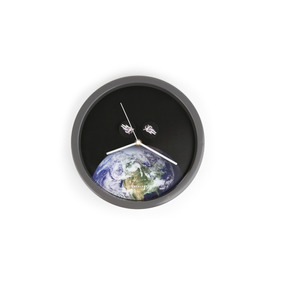 Kikkerland Casa Reloj Pared Con Discos Giratorios Astronauta