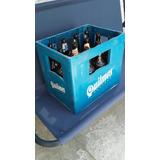 Cajones De Cerveza Con Botellas Vacías