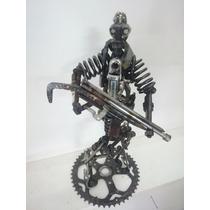 Figura Material Reciclado Hombre Con Escopeta Envío Gratis