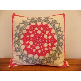 Funda Para Almohadón De Lienzo Con Aplique En Crochet 40x40