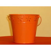 Cubeta De Lamina Color Naranja Con Decoraciones De Flores A