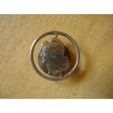 Antiguo Prendedor Moneda Calada De Ojal 0800