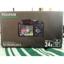 Máquina Fotográfica Digital Fujifilm S3200