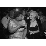 Poster De Marilyn Monroe Con Ella Fitzgerald - 48 X 33 Cm