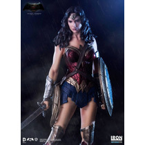 Iron Studios Mulher Maravilha 1/10 Art Scale - Batman V Supe